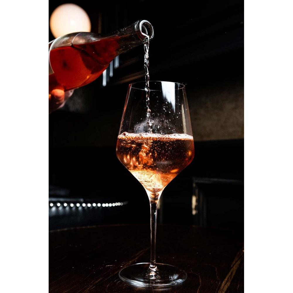 Pouring White Zinfandel